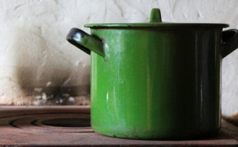 緑のホーロー鍋